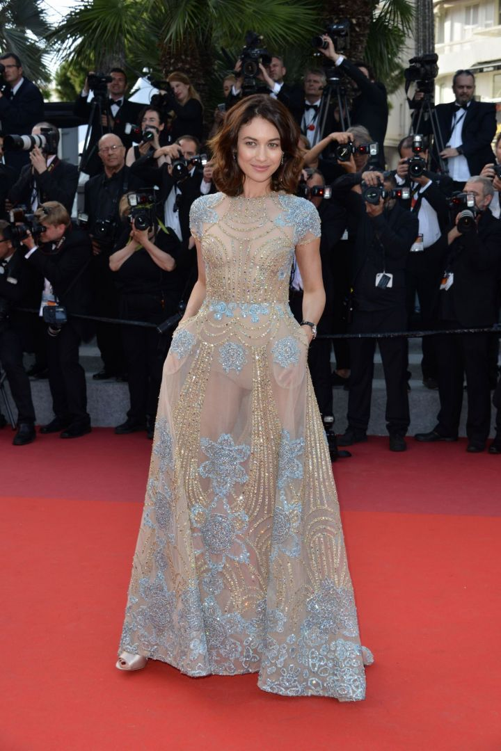olga-kurylenko-the-meyerowitz-stories-premiere-at-cannes-film-festival-05-21-2017-7