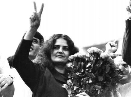13-12-2014-poeta-leonida-lari-anii-1989-90-din-ahiva-familiei-iorga